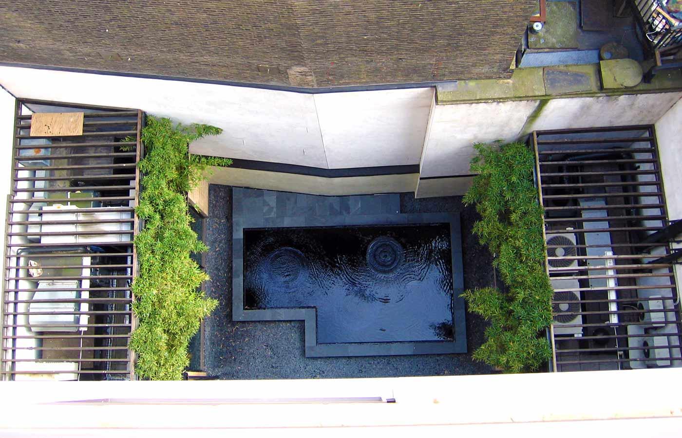 Ping Pong restaurant courtyard1