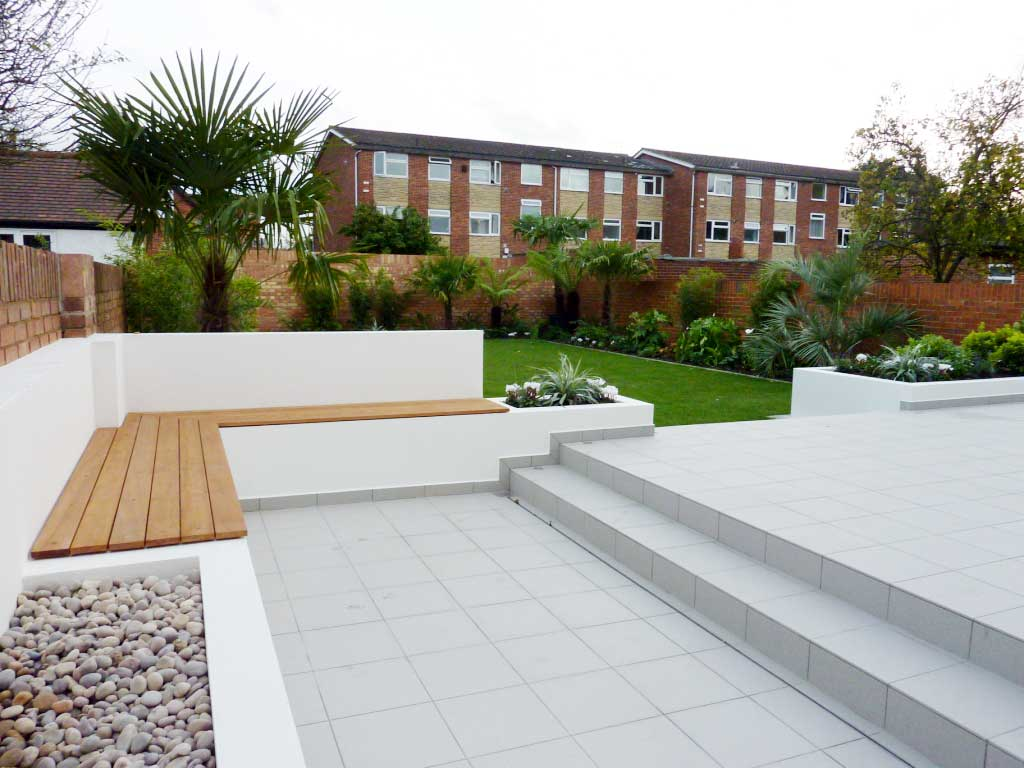 Modern garden design garden design london for Contemporary gardens