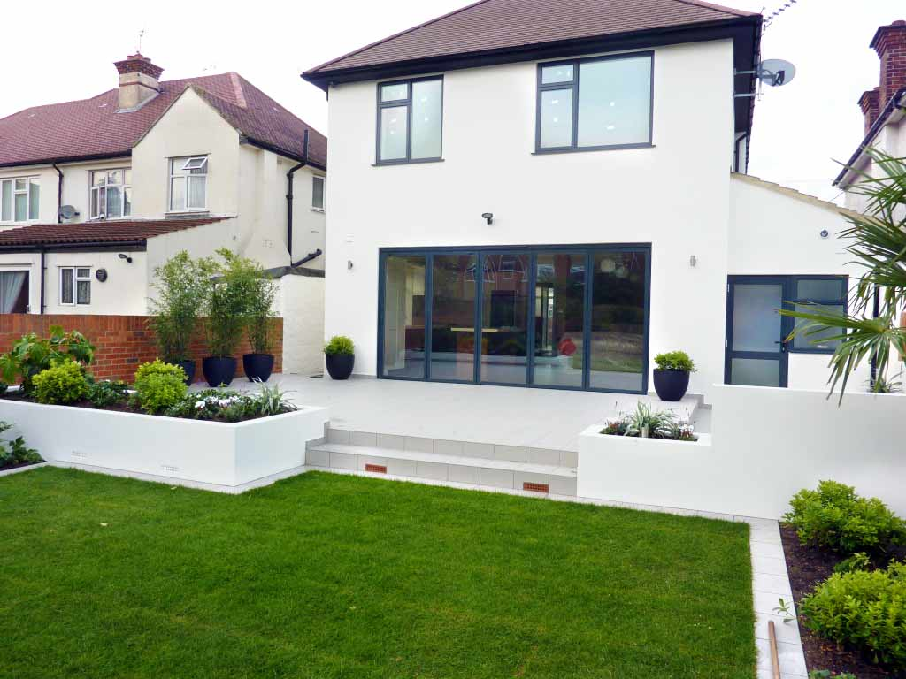 Modern garden design garden design london for Modern house garden
